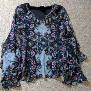 Flowy sleeve blouse